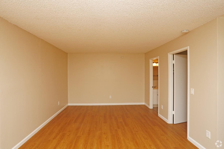 Rosa Crest Studio Apartments rental